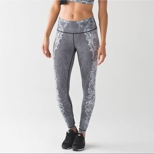 lululemon speed wunder tight florence lace